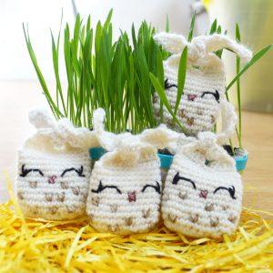 Tiny Tie Knots – Virkade små kaniner till påsk