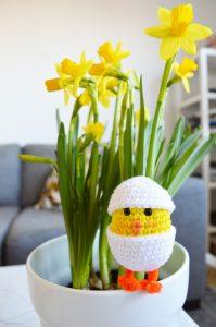 Glad påsk – Virkad kyckling i ett ägg